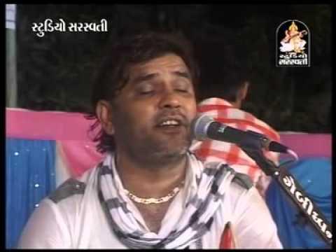 Mann Mor Bani Thangat Kare Kirtidan Gadhvi - Poonam Gondaliya - Jugalbandhi - Kodinar Live - 2014 video