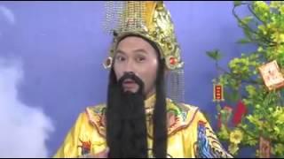 Ngọc hoàng Hoài Linh chúc tết khán giả HTV2