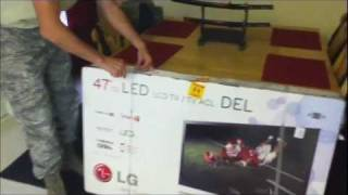 LG 47LW5600 LED Cinema 3D HDTV Unbox