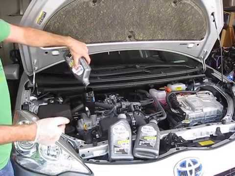 2012 Toyota Prius C Oil Change and Maintenance Required Screen reset