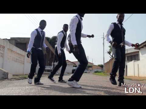 'The Azonto: London to Accra' - Flash Mob Ghana Boys by @Majorplayldn