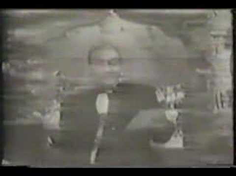 Madhuban mein radhika nache - Mohd Rafi Live