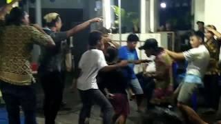 via vallen - ngamen 5 di goyang sampe pagi