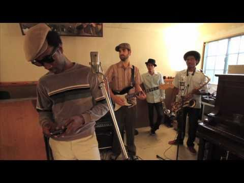 Aloe Blacc: Studio Take Outs