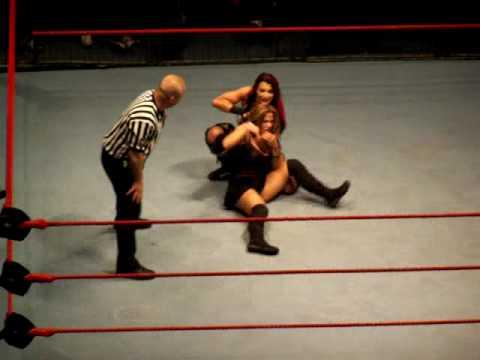 2 women wrestling