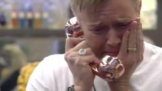 Darren gets an emotional phone | Day 24