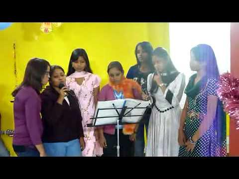 Hum Naye Geet Sunayen Hum Naye by Girls