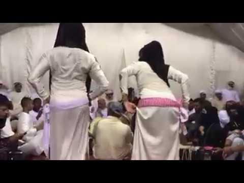 شاهد : صادم مثليين يرقصن لي الخلجين thumbnail