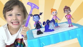 Isla Plays Don't Break the Ice Challenge Game With Mommy and Vampirina Toys
