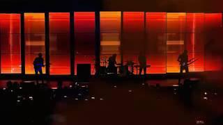 Смотреть клип Muse - Dig Down (live)