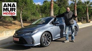 Toyota Corolla Sedan Hybrid 2019 Test