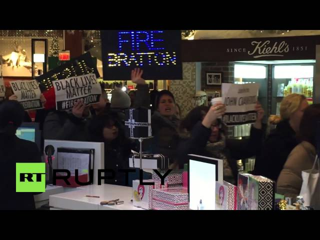USA: Eric Garner demo tries to SHUT DOWN Grand Central and Saks Fifth Avenue