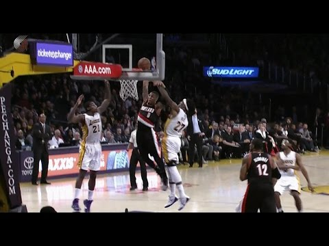 Damian Lillard dunks on the Lakers: Portland Trail Blazers at Los Angeles Lakers