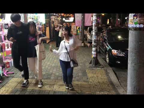 길거리에서 노래나오면 꼭 이러는애들 있음ㅋㅋㅋㅋㅋㅋㅋㅋㅋㅋㅋ