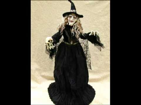 Hallowee-N-Motion Animated Witch Doll