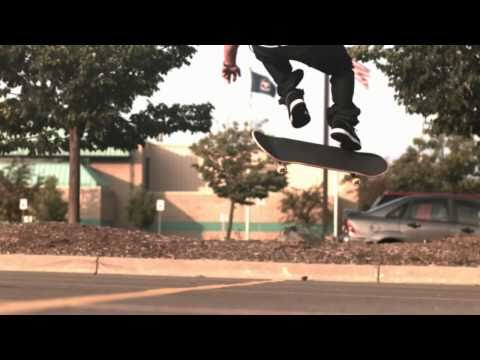 Skateology: Hardflip (1000 fps slow motion)