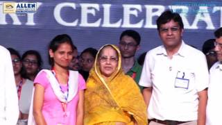 "gudri Ke Lal Scholarship to ""Balika Vadhu"" Rupa Yadav & Champalal Son of a Daily Wage Worker"