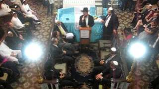 Benny Friedman Singing at Knesset Eliyahu Synagogue in Mumbai - Jewish Music