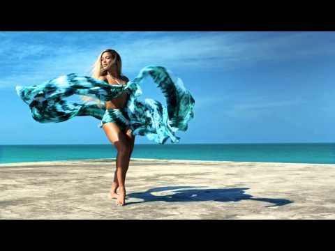 Beyoncé in H&M Summer Collection 2013
