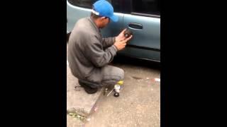 Como abrir um carro em 5 segundos
