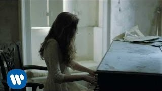Birdy - Skinny Love [Official Music Video]