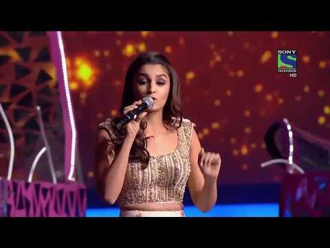 lovely Alia Bhatt Dance Performance at Filmfare 2016 1280x720