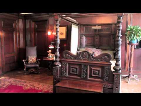TravelGuide: Touring Around Casa Loma Castle (Toronto, Ontario)