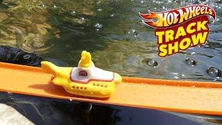 Hot Wheels Track Show 4. The Beatles Yellow Submarine.