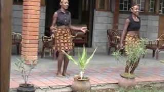 Wangari Kabera - One lady Guitar - Ngukuririra Nginya Ri?