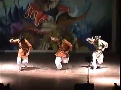 Radha Kaise Na Jale By Dance Club, Bits Pilani Mithali 2006 video