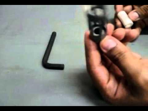 Montagem manual do silenciador de válvulas pneumáticas Festo.