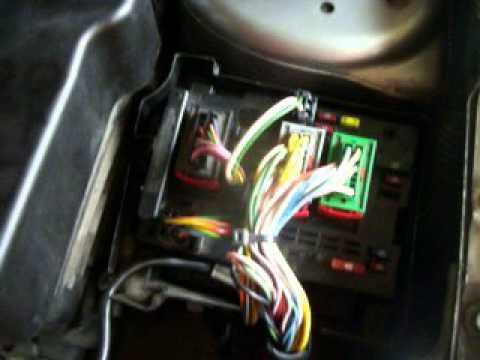 Caixa De Fusiveis Peugeot 206 Youtube