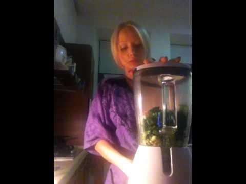 Valeria Lukyanova Spinach pasta from Amatue - 1