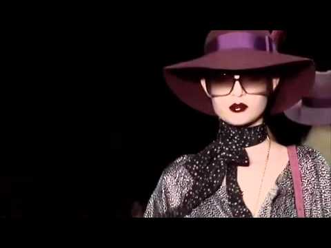 GUCCI WOMEN'S FALL WINTER 2011-2012 FASHION SHOW