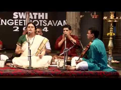 Amrutha Venkatesh - Saveri Pada Varnam - Swathi Sangeethotsavam 2014 video