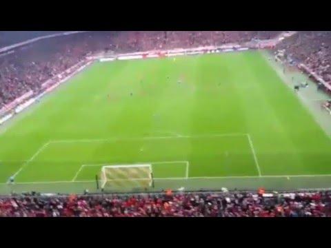 Afición del Atleti en el Allianz Arena ( Bayern - Atlético ) Últimos 3 minutos