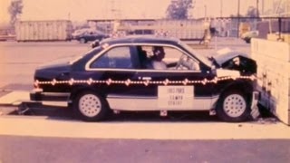 1985 Ford Tempo / Mercury Topaz Coupe | Frontal Crash Test by NHTSA | CrashNet1