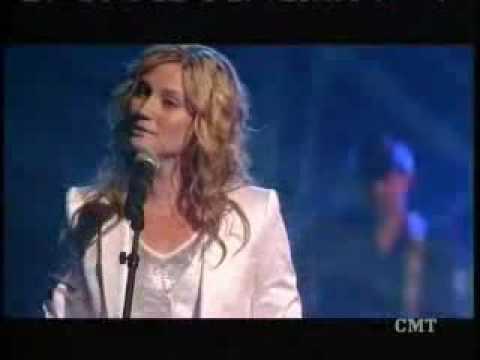 Reba Mcentire - I keep on lovin you