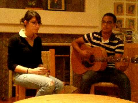 Ana Pailles singing - con Erick Domogma .