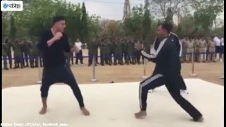 Akshay Kumar Real Fighting With Trained IPS