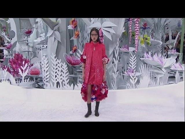 Semaine de la mode à Paris : Chanel, Armani, La Perla... Frais, classe et sexy - le mag