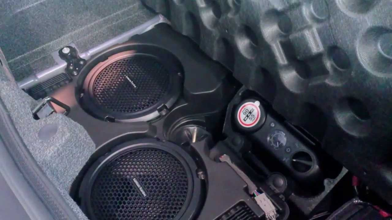 Dodge Challenger R T Classic With Harman Kardon Subwoofer