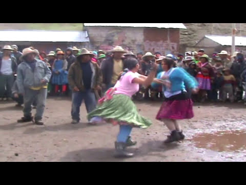 TAKANAKUY DE MUJERES 2012 HUARACCO- CHUMBIVILCAS