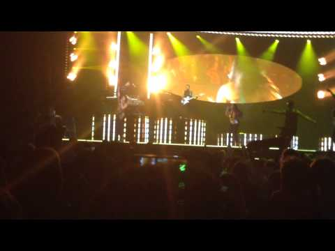 Demi Lovato - Give Your Heart A Break (Live in Calgary)