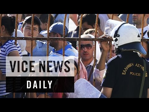 VICE News Daily: Greece Locks Up Migrants For Nearly 24 Hours