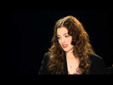 Anne Hathaway: Love & Other Drugs Interview