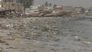 Au Sénégal, la presqu'île de Dakar menacée par la pollution marine