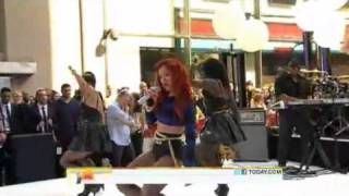Rihanna - Performing A 4-Song Medley On The Today Show