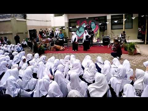 Dangdutan di smp pgii 1 Bandung