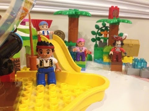 JAKE AND THE NEVERLAND PIRATES Comparison of Disney Lego Duplo Jake Toy Playsets